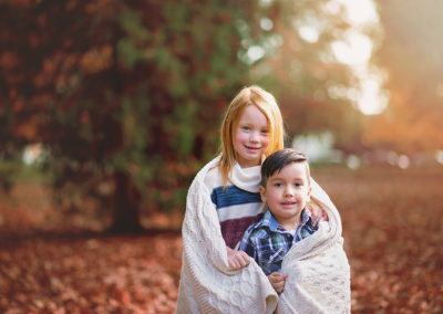 children-photographer-puyallup-tacoma-wright park-fall-sibling