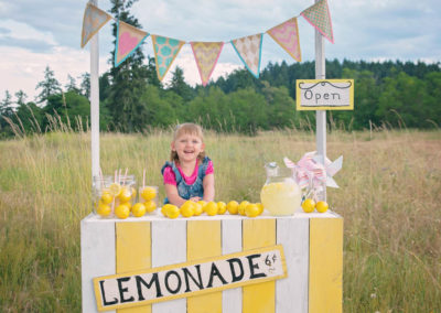 girl, children, lemonade stand, field, summer, 3 year old, make up, lemons (1 of 1)