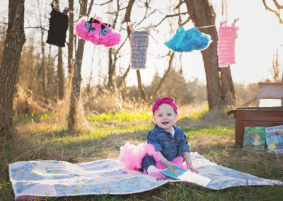 children-photographer-puyallup-hotair balloon-9 month-girl-dressup