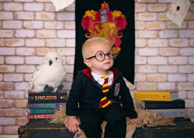 grow with me, harry potter, puyallup, photographer, glasses, little boy, one year shoot, 1 year, gryffindor, HP-6