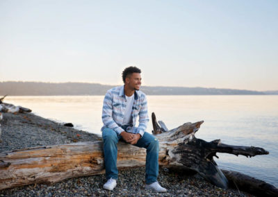 puyallup photographer senior boy guy owens beach basketball player football player golden hour water -22