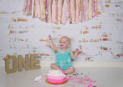 puyallup, photographer, grow with me, one years old, indoor studio, cake smash, girl-2-3