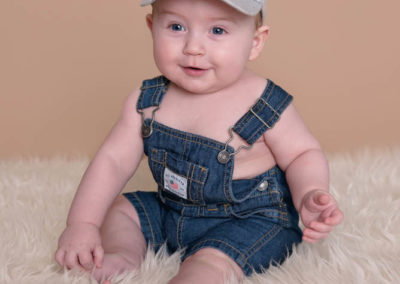 puyallup, children, photographer, 6 months, grow with me, baby boy, indoor, studio, football-16