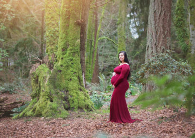 puyallup maternity photographer owens beach siblings woods mama expecting water -1